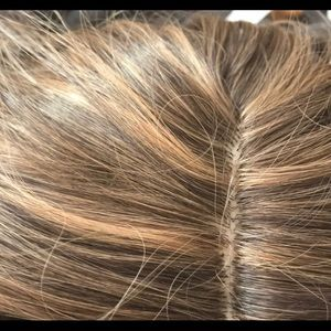Other - Beautiful shades of brown wig